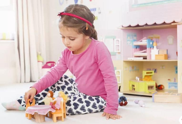 Barbie DreamHouse Playset with top 10 Best Barbie accessories